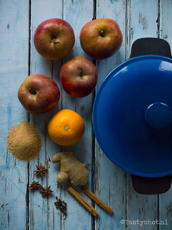 Spicy applesauce/ Spicy Appelcompote recept. Photography: © www.tastyshot.nl