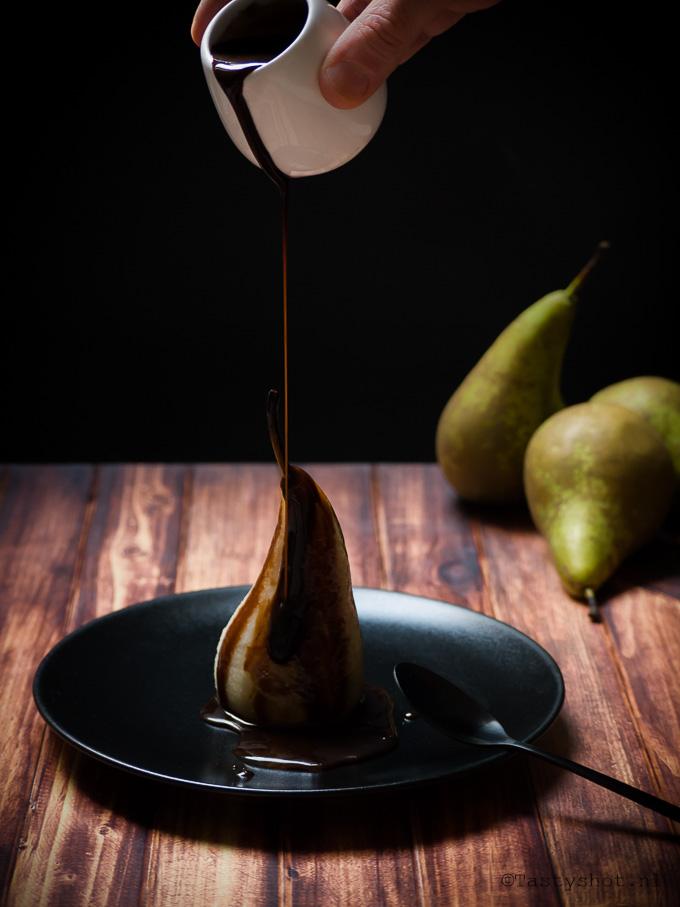 Poire Belle Hélène recipe. Photography: © Gitta Polak www.tastyshot.nl
