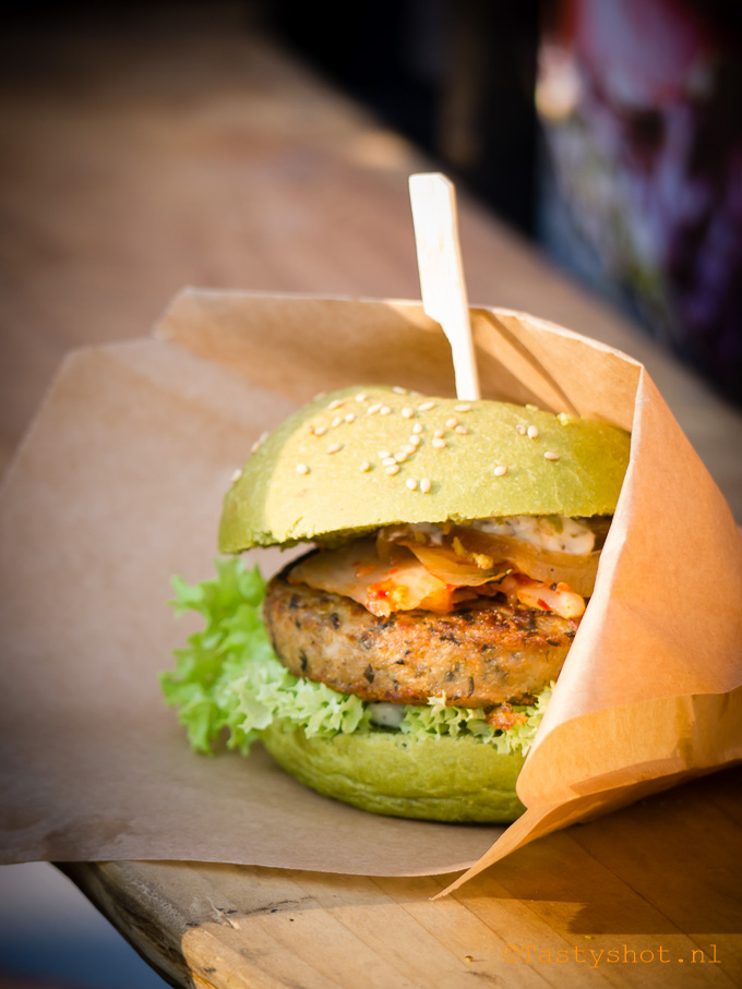Rollende Keukens - The Dutch Weed Burger. Photography: © Gitta Polak for www.tastyshot.nl