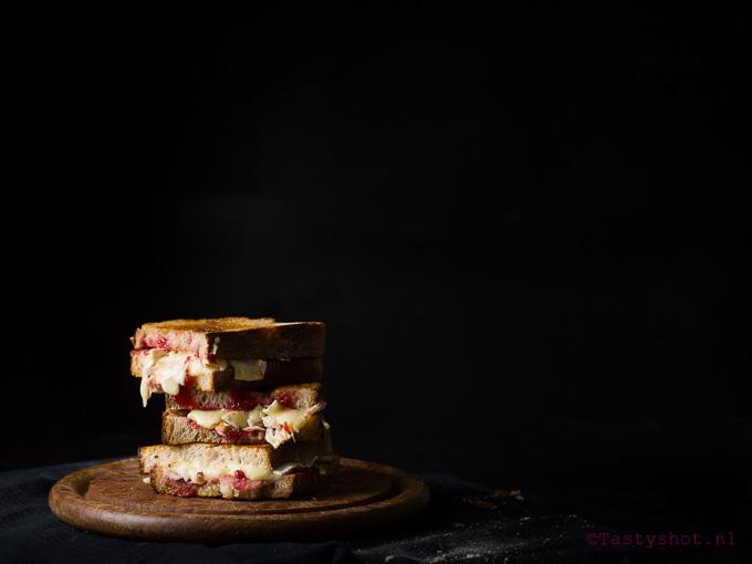 Christmas leftover grilled cheese sandwich - kerstkliekjestosti.  Photography: © Gitta Polak www.tastyshot.nl