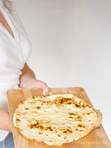 Platbrood, pita, naan, flatbread  recipe. Photography: © Gitta Polak www.tastyshot.nl